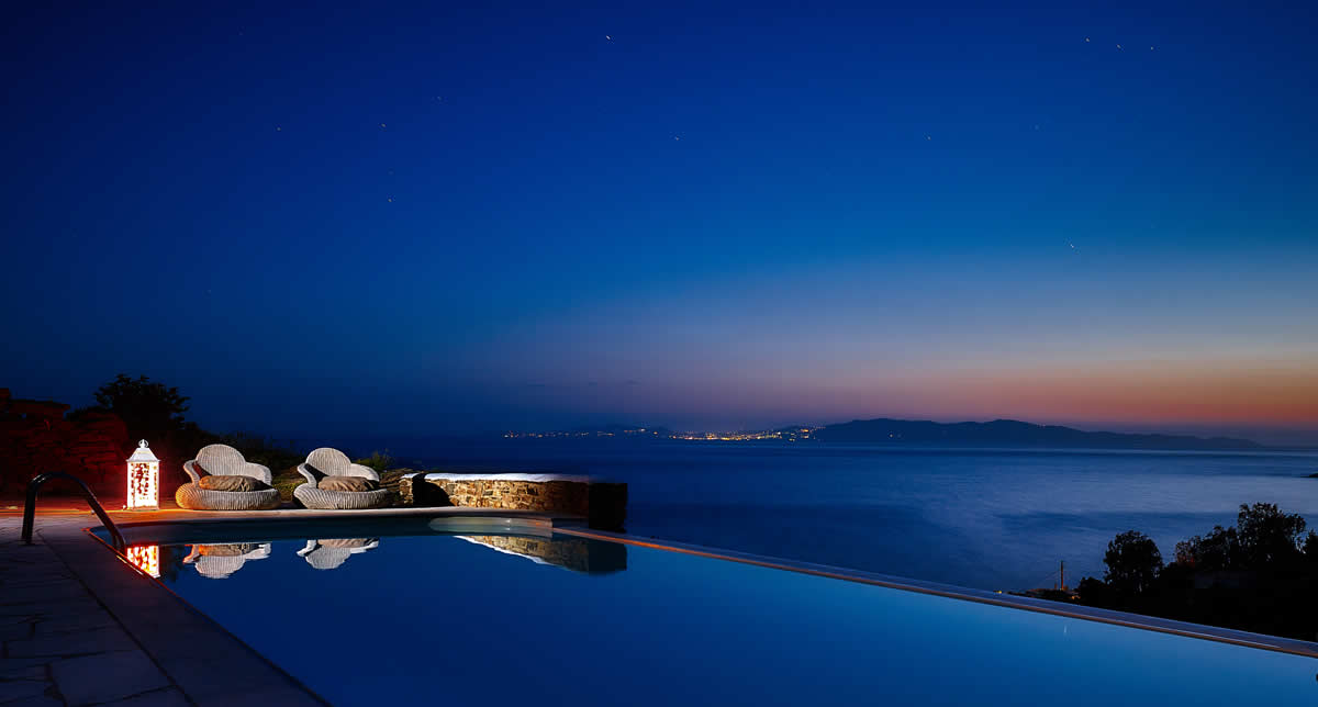 The Infinity pool at Vega Apartments, Tinos